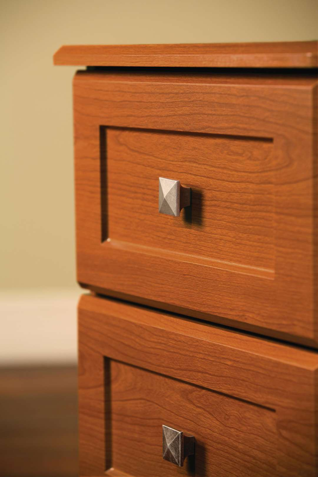 Scottsdale 3 Drawer Bedside Cabinet Maxwell Thomas