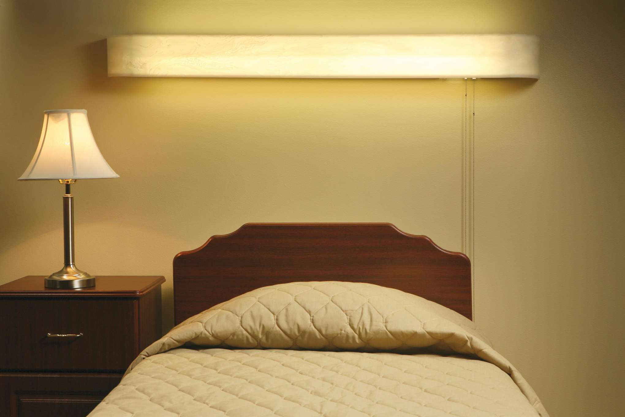 Scottsdale 2 Bulb Overbed Light With Switch 4 Ft